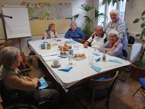 """Ein Teil der Dienstagsgruppe: """"Wir Alten sind halt nix mehr wert"""""""