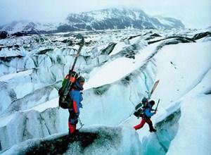 Das Eis schmilzt: Erst kommen die Ingenieure und Diplomaten, dann die Touristen.