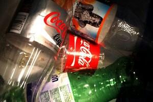 Die Mehrwegquote bei Plastikflaschen ist rückläufig.