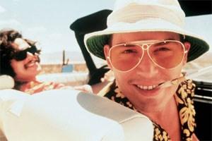 """Fear and Loathing in Las Vegas"": Auf dem Weg nach Nevada gibt es jede Menge Drogen für Raoul Duke (Johnny Depp) und Dr. Gonzo (Benicio Del Torro)."