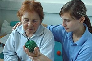 In der Neurorehabilitation verbessern kleine Erfolgserlebnisse die Lebensqualität der Patienten massiv.