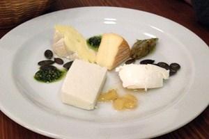 """Die """"drei Käse aus Österreich"""" kamen zu viert daher"""