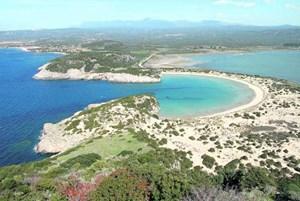 Die im Südwesten der Peloponnes gelegene Voidokilia- oder, übersetzt, Ochsenbauch-Bucht besticht durch ihre charakteristische Halbkreisform.