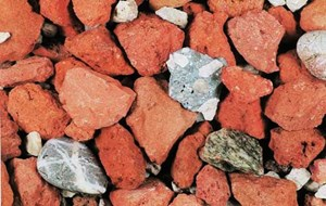 Mineralische Recycling-Baustoffe liegen als Granulate vor, die vor allem für Tragschichten, Schüttungen und als Zuschlagstoffe für andere Materialien verwendet werden.