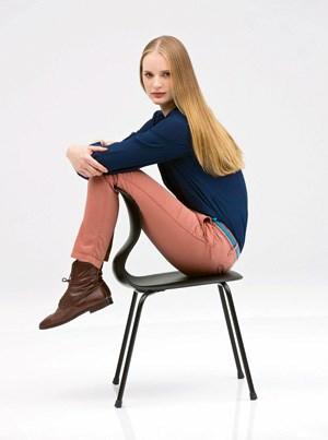 """Den Sessel """"Pro"""", den Konstantin Grcic für das Unternehmen Flötotto entwarf, gibt es in sechs Farben, drei Größen und diversen Gestellvarianten."""