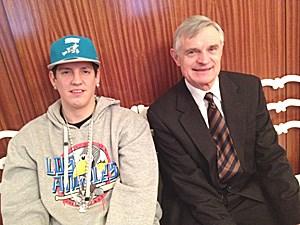 Money Boy zu Besuch bei Thomas Schäfer-Elmayer in dessen Tanzschule im ersten Bezirk.