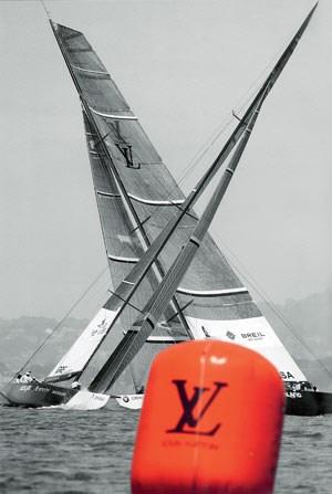 Auch zu Wasser: um die Wette segeln und eine Uhr dazu bauen.