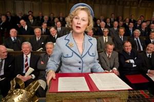 "Wehrhafte Lady gegen arrogantes Mannsvolk im Parlament: Meryl Streep in Phyllida Lloyds Biopic ""Die eiserne Lady""."