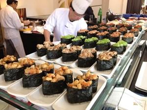 Sakai-San und sein MontagmittagsbuffetUnkai zum Durchkosten, Menü für 31 Euro