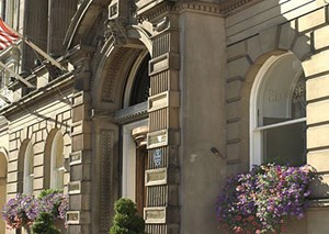 Teile des Gebäudes von The George Hotel wurden bereits 1784 errichtet.