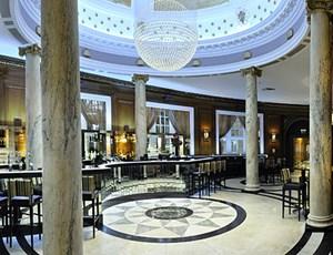Das Grand Central in Glasgow erstrahlt mit wieder entdecktem Marmorboden.