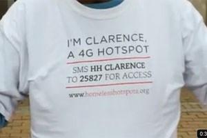 Die Agentur BBH heuerte 13 Freiwillige eines lokalen Obdachlosenheims an und stattete sie mit mobilen Hotspots, Visitenkarten und T-Shirts aus.
