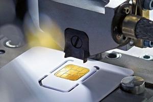 """Der deutsche Hersteller Giesecke & Devrient hat einst schon die originale SIM-Karte """"erfunden"""" und nun einen Entwurf für die """"Nano-SIM"""" eingereicht. Apple will aber eigene Vorstellungen durchsetzen."""