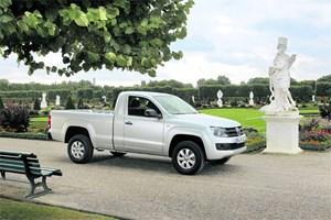Ein Auto wie ein Schlossgärtner: Den VW-Pick-up Amarok gibt's jetzt auch mit kleinerer Kabine und größerer Ladefläche für rustikalere Zwecke. Heißt dann im Fachjargon: Singlecab