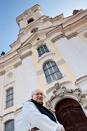 Jederzeit Zeit für ein Starkbier, das den Herrn preist: Im Kloster Engelszell betreibt Abt Marianus die einzige Trappistenbrauerei im deutschen Sprachraum.