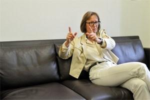 Gabriela Moser fordert strengere Gesetze und eine neue Geschäfts- ordnung für den U-Ausschuss. Derzeit setzen die Regierungsparteien alles daran, Kontrolle zu verhindern.