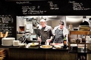 """Das """"St.ellas"""" ist ein Spin-off des Restaurants Gaumenspiel in Wien-Neubau mit günstiger, zuverlässig geschmackvoller Küche."""
