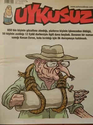 Kenan Evren in Gips: Die Titelseite des türkischen Satiremagazins Uykusuz (Schlaflos) stellt diese Woche den 94-jährigen Junta-Führer Kenan Evren dar. Er war nicht zum Gerichtstermin in Ankara erschienen, weil er sich den Arme gebrochen haben soll.
