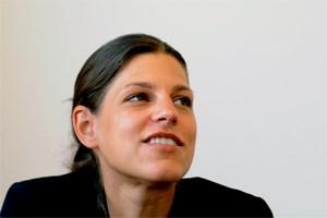 """Laura Rudas will sich die Politik nicht schlechtmachen lassen, auch dann nicht, wenn einmal alles schiefläuft. Auch über die herbe Kritik der Poster im Internet blickt die SPÖ-Bundesgeschäftsführerin angeblich gelassen hinweg. """"Selbst wenn es ganz schlecht läuft und alle gegen mich schreiben - ich liebe Politik."""""""