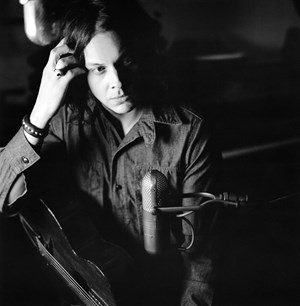 Jack White in Black and White. Auf seinem ersten Album unter eigenem Namen entdeckt der frühere The-White-Stripes-Sänger nicht nur Grautöne, er vertont sie vielfältiger als je zuvor.