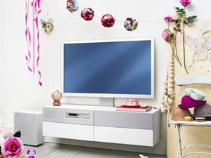 Fernseher und Möbel in einem.