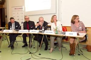 Über Ethik und PR disktuierten Booms, Langenbucher, Bentele, Faber-Wiener, Hahn und ...