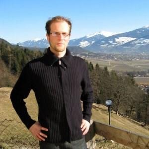 """""""Esoterik ist ein Zerrspiegel der Gesellschaft"""", sagt Johannes Fischler."""