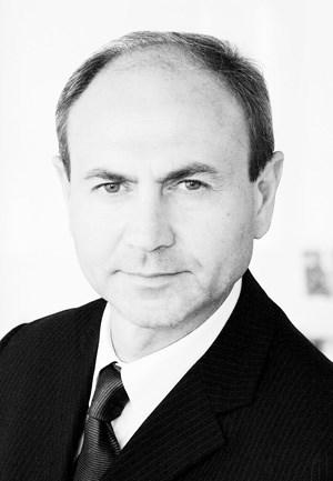 Der Italiener Gian Giacomo Ferraris (54) ist seit drei Jahren CEO von Versace. Er hat viele Jahre bei Gucci gearbeitet, von 2004 bis 2009 als CEO bei Jil Sander.