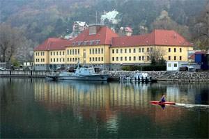 Die ehemalige Marinekaserne Tegetthoff befindet sich in Wien-Döbling neben dem Kuchelauer Hafen.