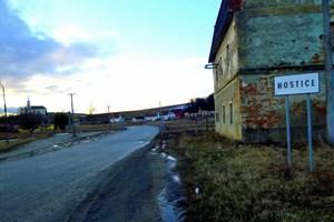 In Süden der Mittelslowakei an der ungarischen Grenze liegt Hostice, bekannt als der Ort, aus dem zahlreiche Menschen nach Graz anreisten, um zu betteln. Die Arbeitslosigkeit liegt hier bei 96 Prozent.