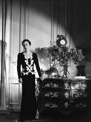 ...und Elsa Schiaparelli (Wallis Simpson in ihrer Mode).