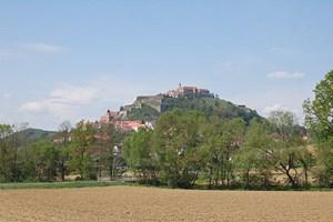 Die Riegersburg steht auf einem alten Vulkankegel, der vor rund zwei Millionen Jahren enstand.