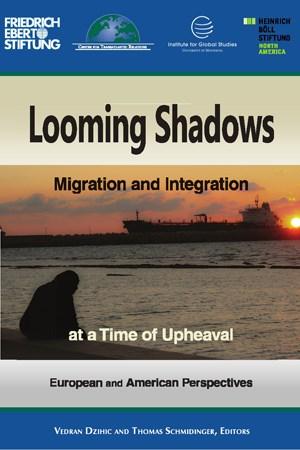 """Die Beiträge des Sammelbandes """"Looming Shadows"""" befassen sich mit dem transatlantischen Vergleich der Politiken und Diskurse zur Migration und Integration zwischen der USA und Europa."""