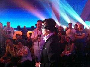 Litauens Donny Montell musste blind auf die Bühne. Am Samstag gleich noch einmal.