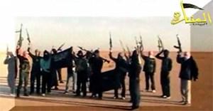 Siegessicher posieren Kämpfer der Jabhat an-Nusrah für ...