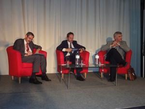 Erwin Hameseder (li.) und Thomas Gehrig (re.) diskutierten, Journalist Franz Schellhorn moderierte.