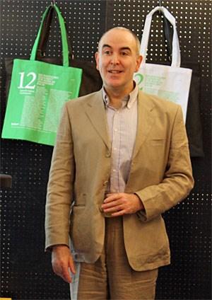 """Mr. Pearl beim Pressegespräch zur Eröffnung des """"12festival for fashion & photography"""" im Pelzhaus Liska."""