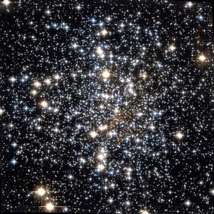 Blick ins Innere des Kugelsternhaufens Messier 4. Mit seiner Hilfe haben US-Astronomen das Alter des inneren Halo der Milchstraße bestimmt.