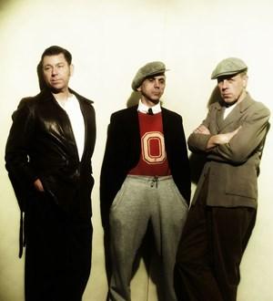 Bassist Pete Williams, Chef Kevin Rowland und der musikalische Direktor Mick Talbot bieten auf dem Comeback der Dexys Midnight Runners großes Seelenkino.