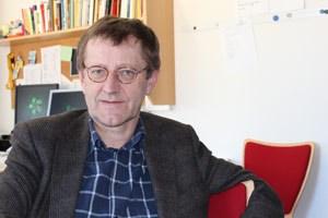 """Matthäus Fellinger, seit 1995 Chefredakteur der Linzer Kirchenzeitung, spricht im Zusammenhang mit der Entlassung des Diözesanmitarbeiters Ferdinand Kaineder von einer """"Propaganda, die sicher Einfluss gehabt hat""""."""