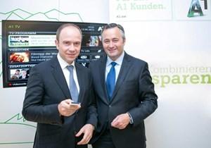 Alexander Sperl, Marketingchef von A1, und Firmenchef Hannes Ametsreiter.
