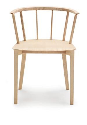 """Der Eschenholz-Sessel """"Deck"""" für Glas Italia aus dem Jahre 2011."""