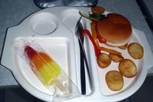 Burger und Wassereis hatte die neunjährige Martha Payne satt, ...