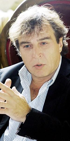 Zeigt Verdis Oper als ständig bewegtes geistiges Labyrinth zwischen Gefängnis, Hof und Kirche: Regisseur Daniele Abbado.