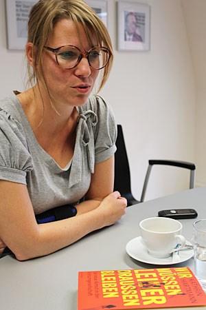 """Kathrin Hartmann: """"Man vergleicht Armut noch immer mit Bildern, die wir aus den 80ern kennen."""""""