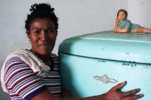 """Kubaner lieben ihren Kühlschrank - die Doku """"Los Refrigeradores"""" geht dem nach."""