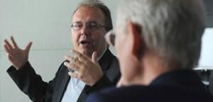 """""""Wenn man jemanden so provoziert, dass er nur gehen kann ..."""": Verlegerverhandler Hermann Petz, Manager der Moser Holding."""