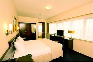Hotel Best Western Blue Tower, 15 Fahrminuten vom Zentrum entfernt (3 Nächte im DZ mit Frühstück ab 181 Euro pro Person).