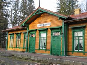 Der alte Zarenbahnhof von Bialowieza, in dem die Drynkowskis ein Restaurant betreiben.