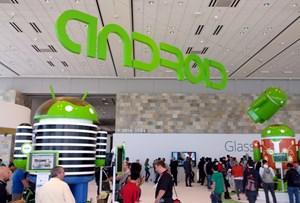 Android gibt es nicht nur in vielen Formen und Farben sondern auch in zahlreichen Versionen. Mit dem Platform Development Kit hofft Google die Updates der Hersteller zu beschleunigen.